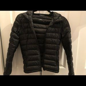 tna black puffer jacket size xxs